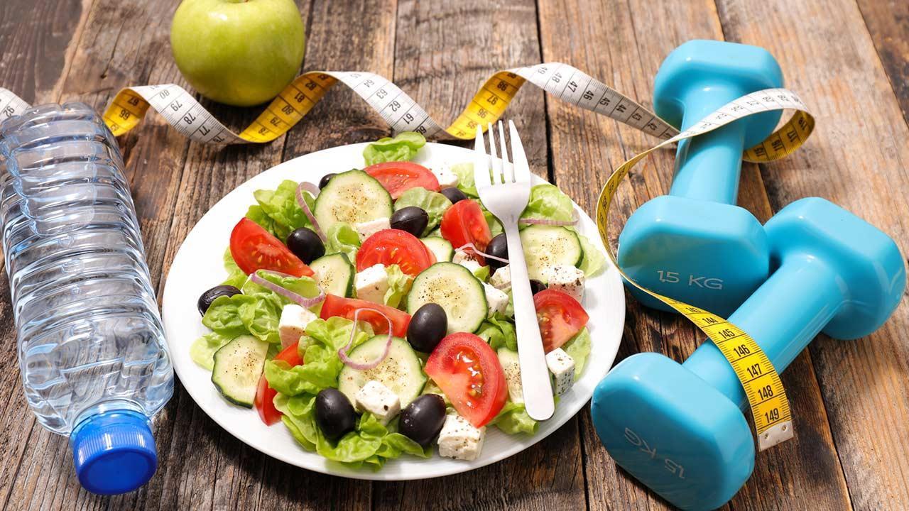 Diet trends 2020 / a fresh salad