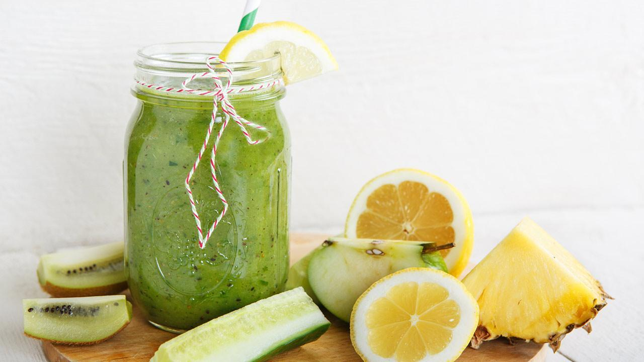 Vitamin Bomb - Smoothies / a green smoothie