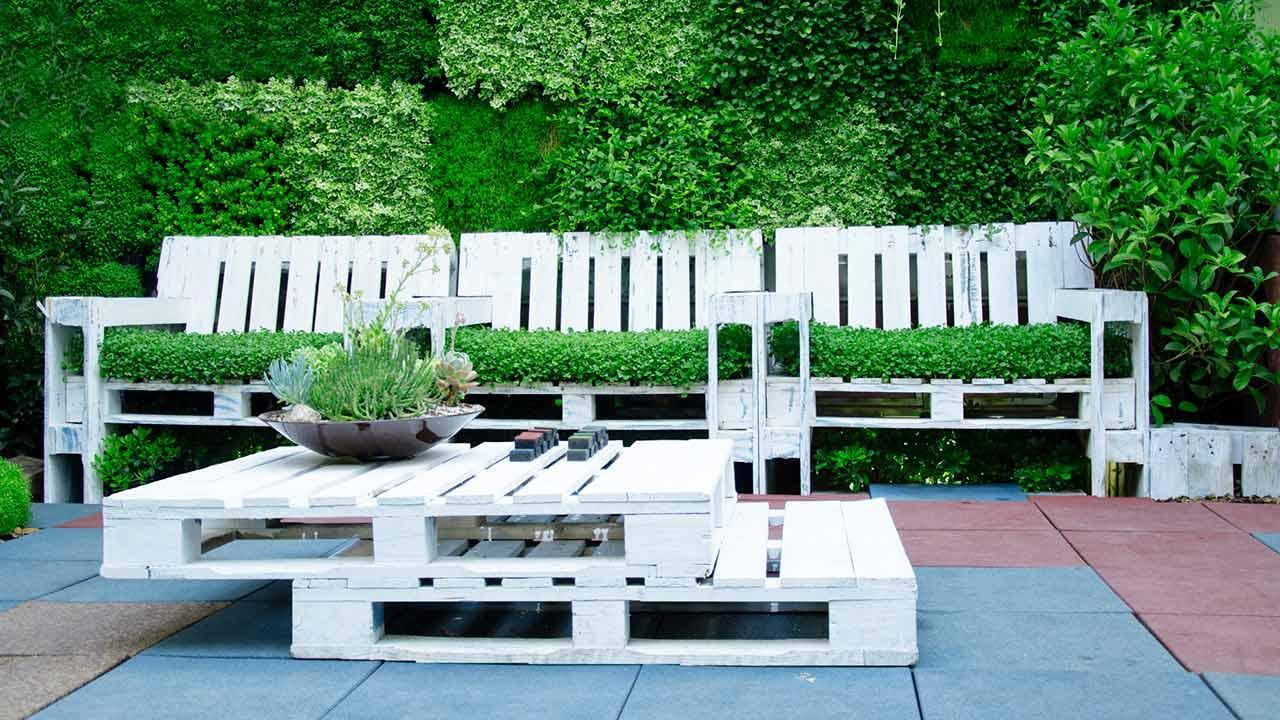 Homemade pallet furniture - Garden furniture on pallets
