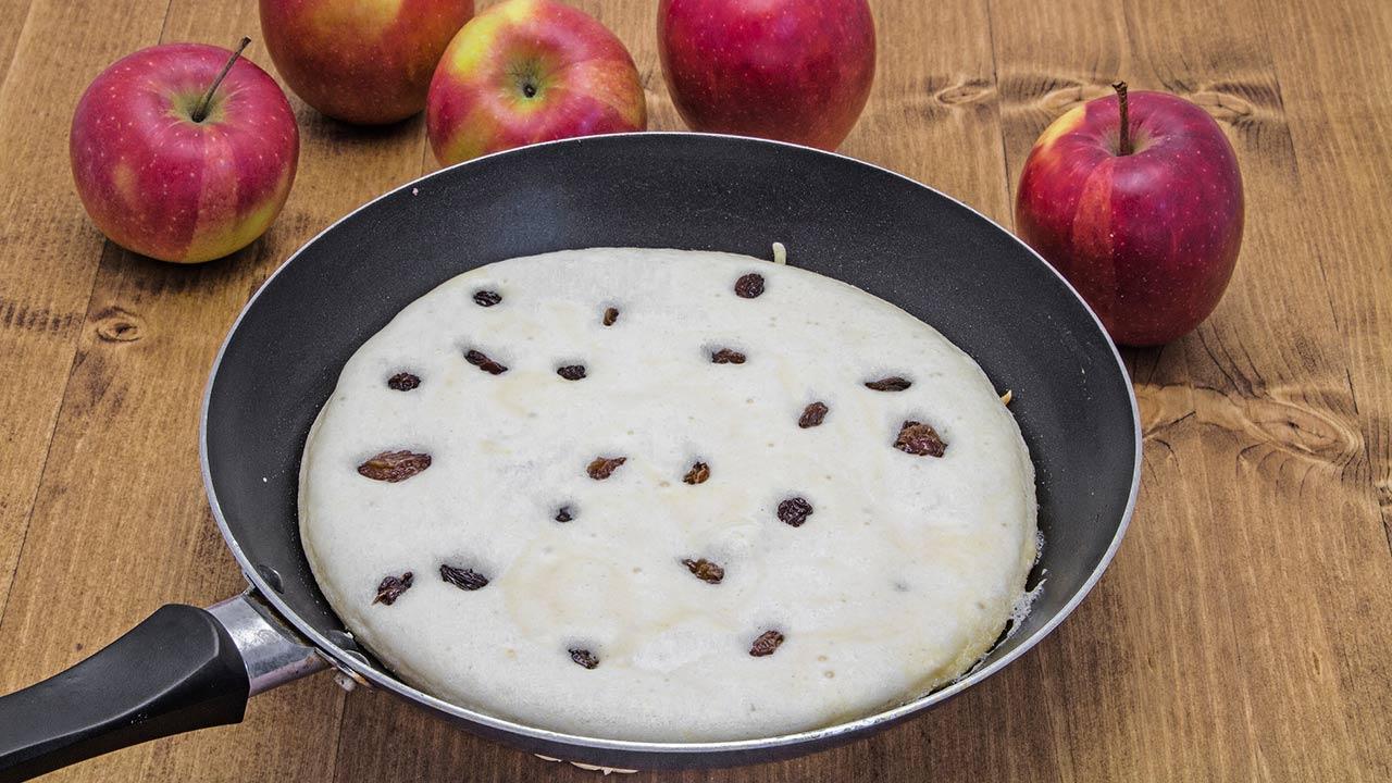 The best Kaiserschmarrn recipe - a Kaiserschmarrn with raisins