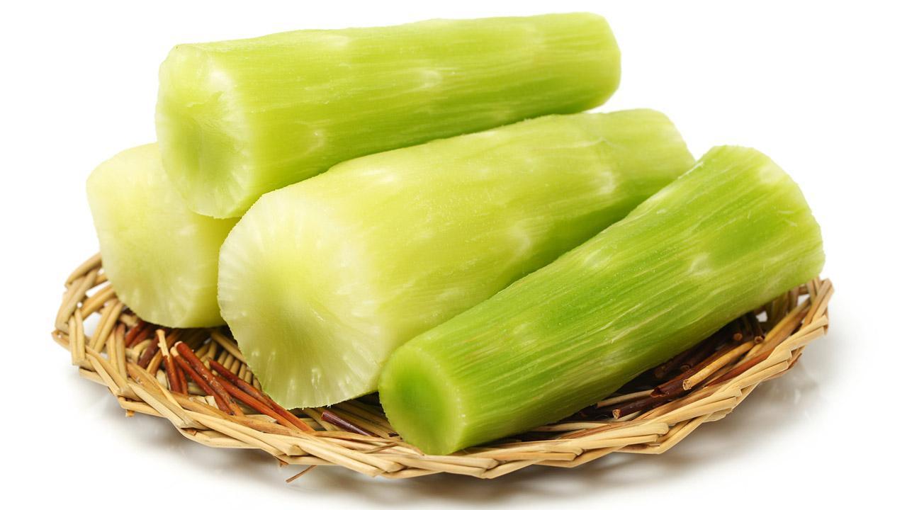 Celtuce the new trend vegetable - Celtuce cut