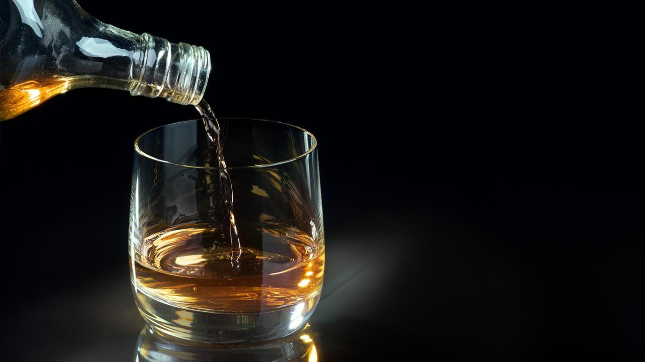Whisky on the rocks or without ice - Whisky without ice