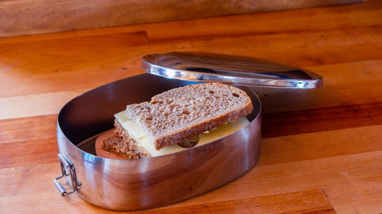 bread boxes made of plastic, glass or stainless steel ? / bread box made of stainless steel
