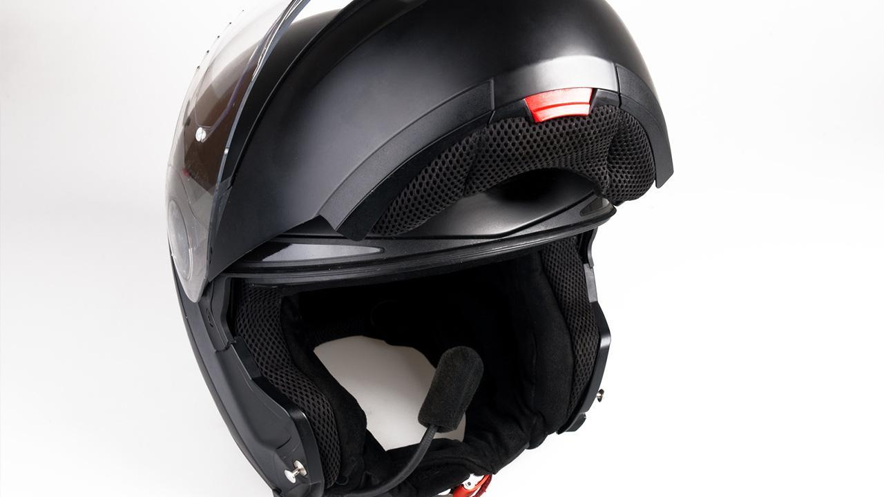 Motorcycle helmet - what do I have to pay attention to? / flip-up helmet with voice radio