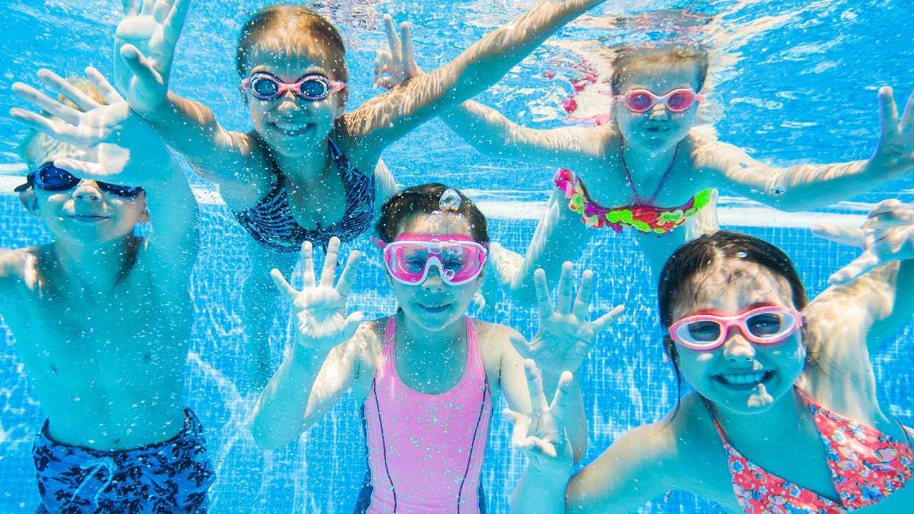 Tips for a summer party for children / children in the pool