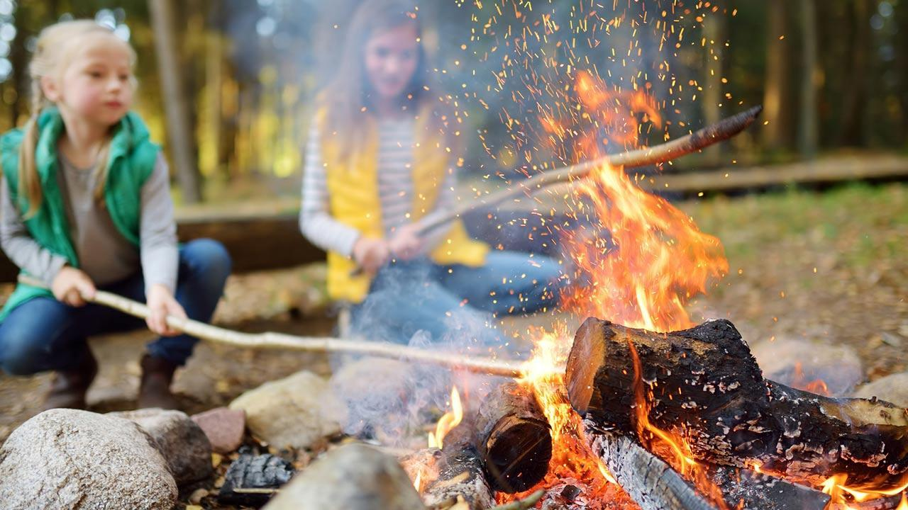 Tips for a summer party for children / girls around the campfire