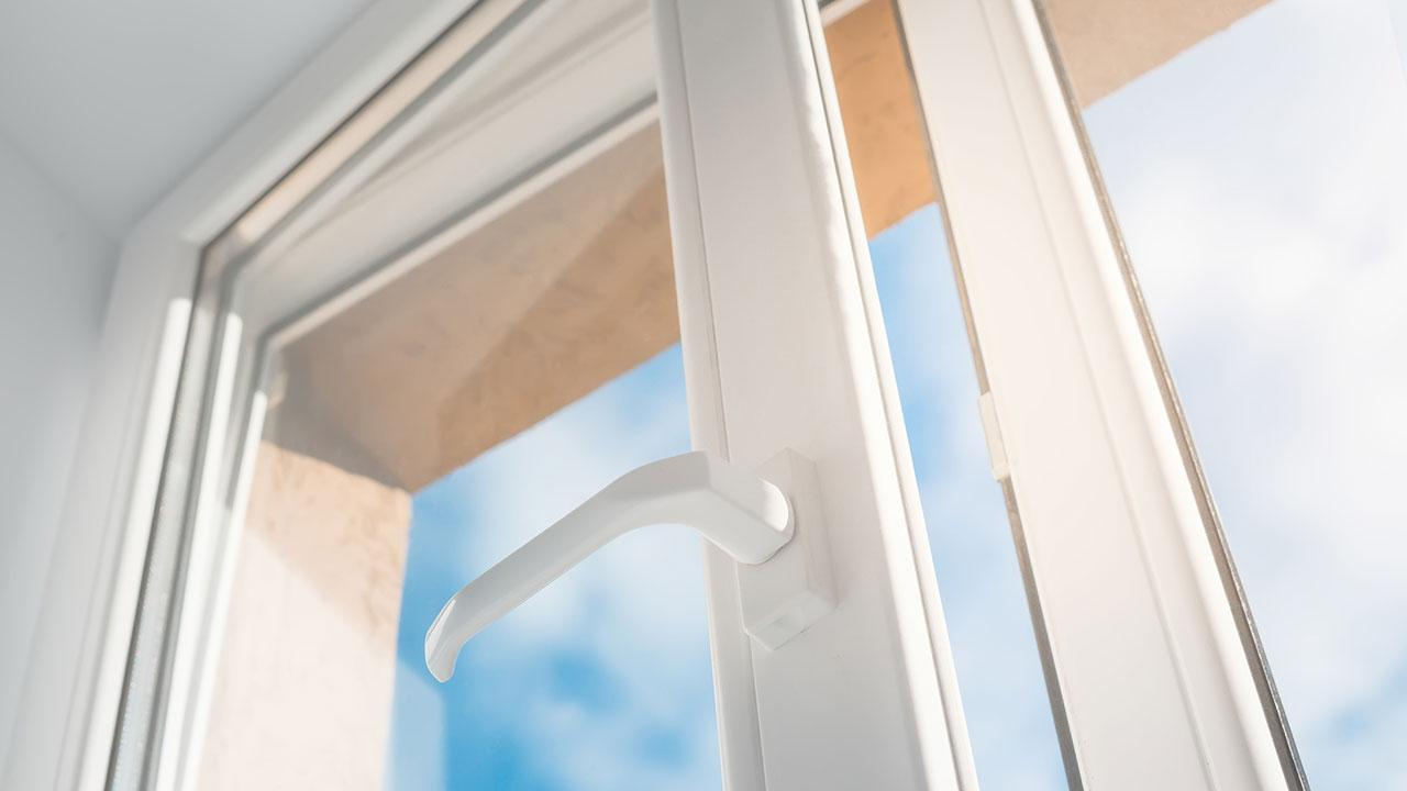 Sealing windows and doors against draughts - modern windows