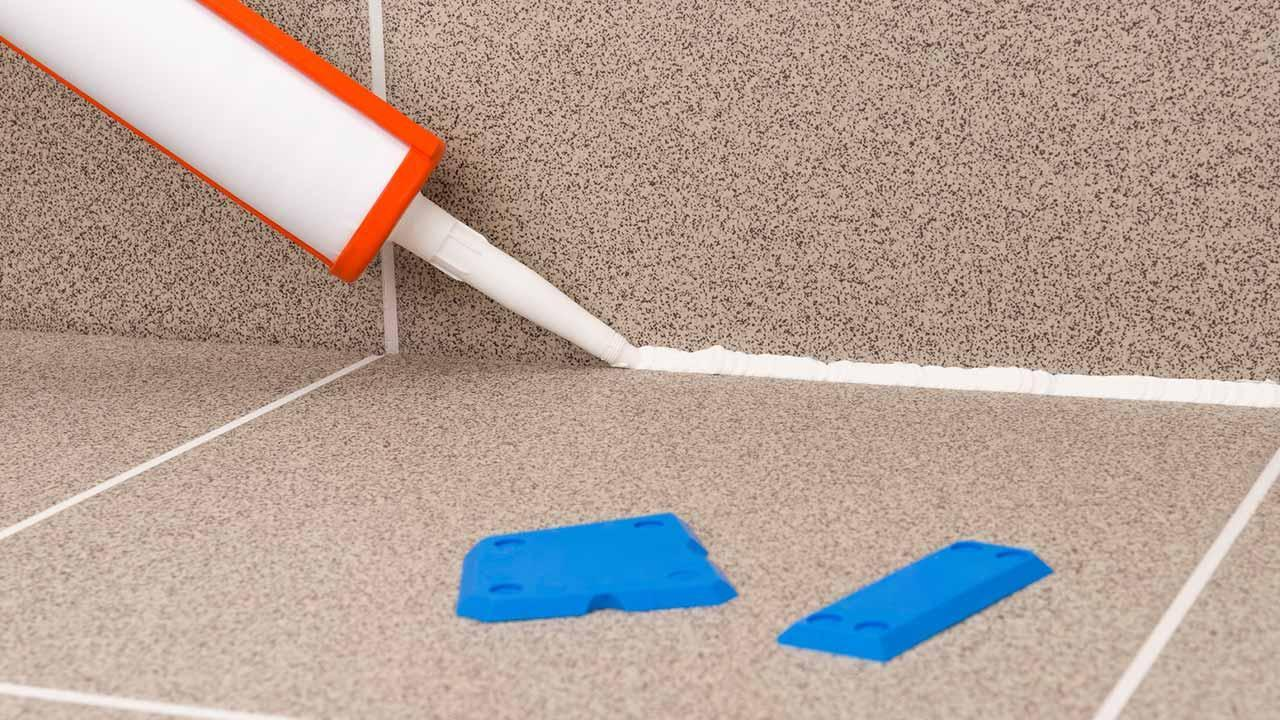 Clean or renew silicone joints - Joints