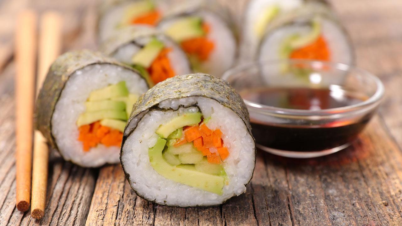 Sushi homemade - The optimal summer dish / Maki