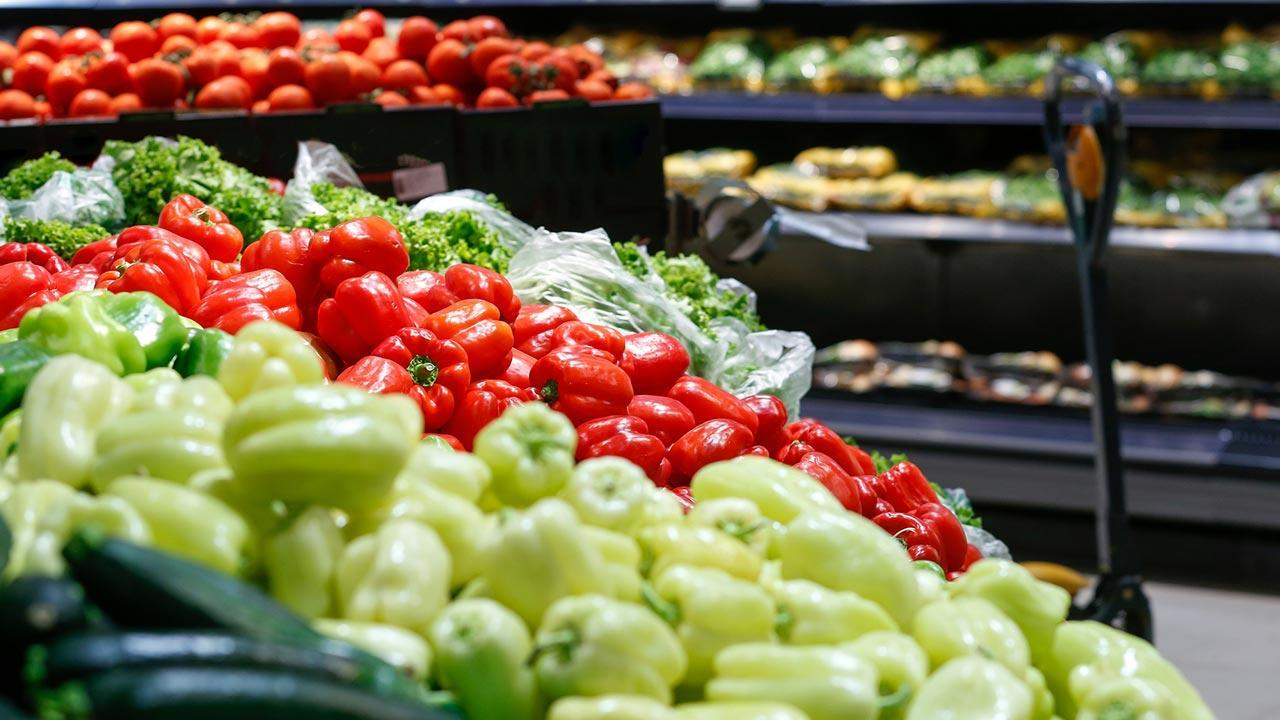 Avoid packaging when shopping - use your own containers / unpacked vegetables