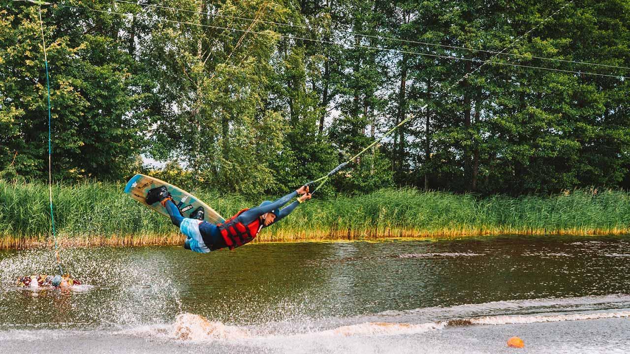 Waterski & Wakeboard - Board acrobatics