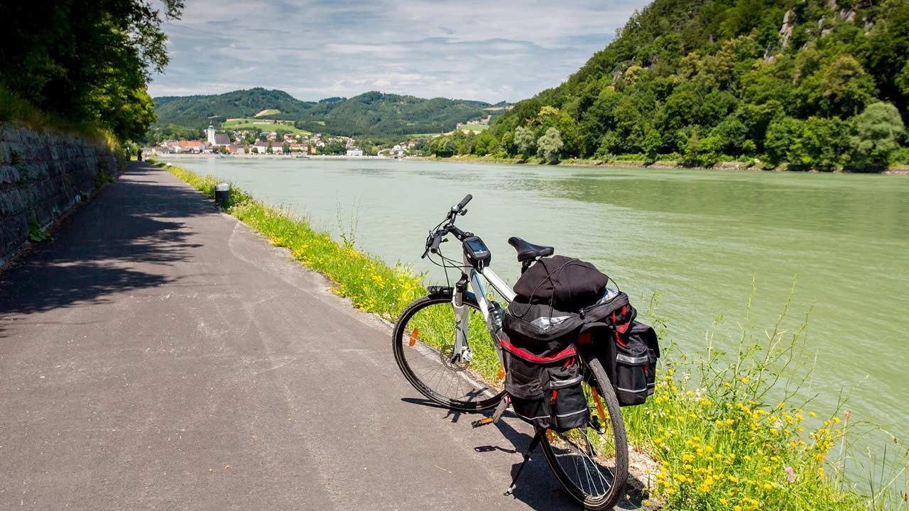 Bicycle tour on the Danube - Bicycle on the Danube