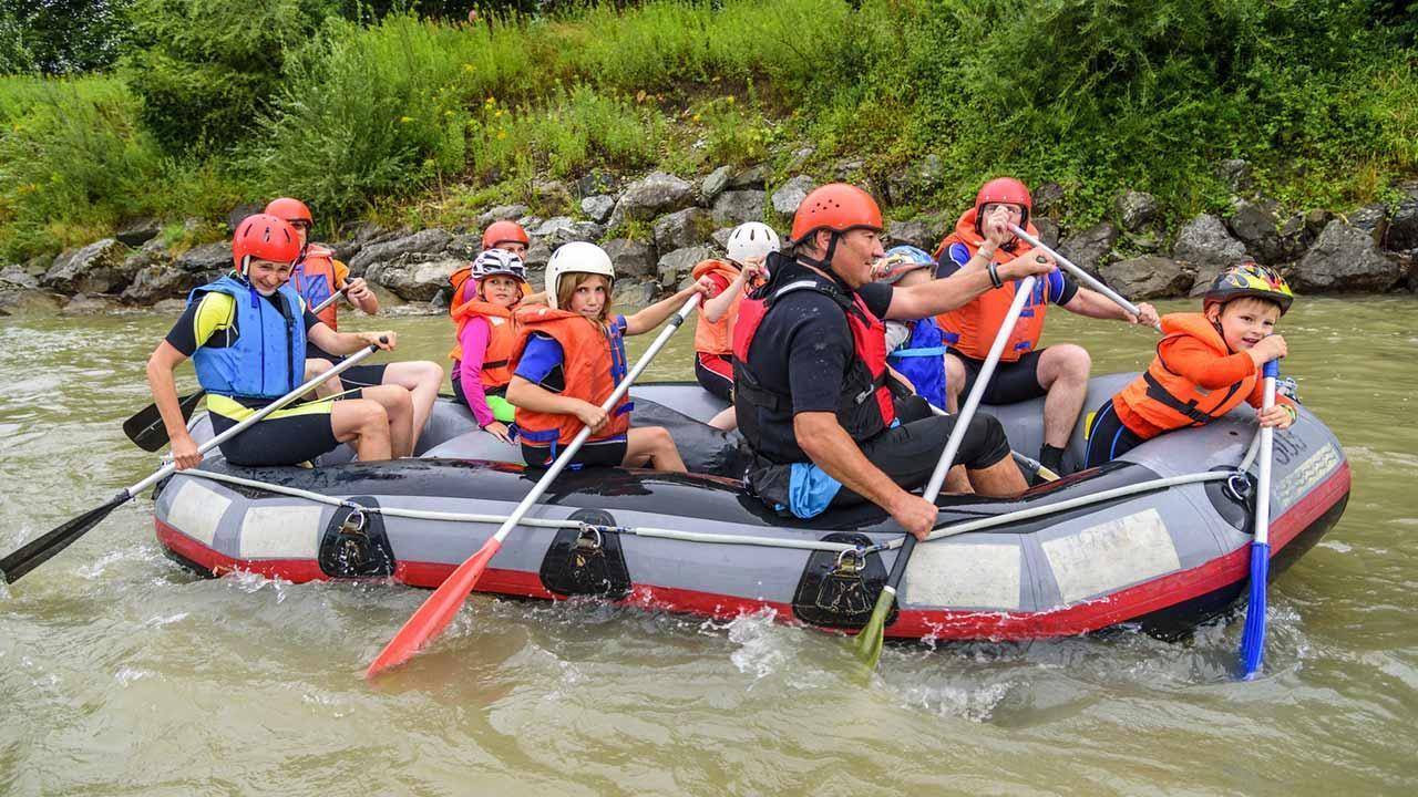 The most beautiful rafting spots - Family Raftign