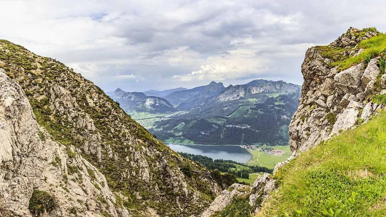 The most beautiful hiking trails in Allgäu - view of the Haldensee