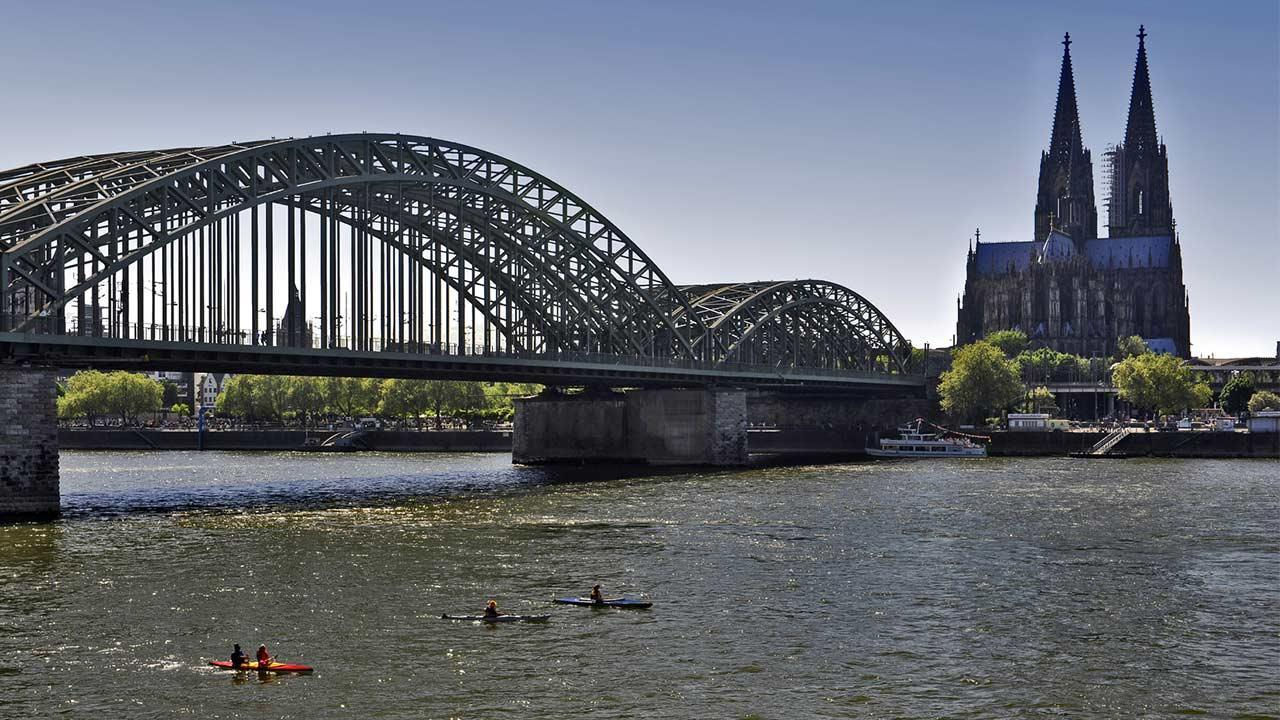 Canoeing on the Rhine - Cologne
