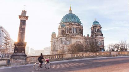 Explore the city by bike: Berlin